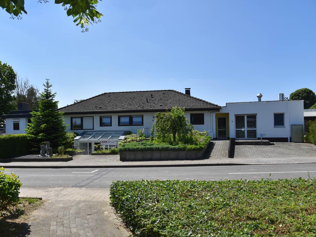 AHK-Haus-Waurichen-01-1080x810-16-08